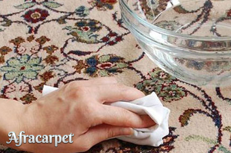 چگونه به کمک قالیشویی خانگی از شر لکه های فرش قوی خلاص شویم؟