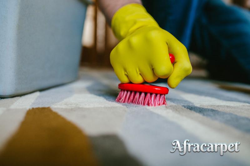 لکه برداری از فرش ها به کمک قالیشویی