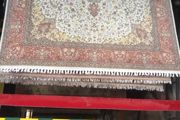 آبکشی فرش ها بعد از شستشو